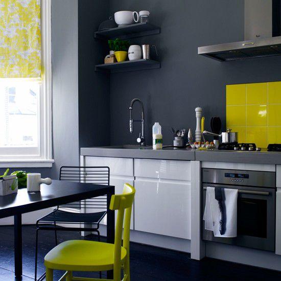 Những gam màu kỳ lạ, ấn tượng trên tủ và tường bếp 2
