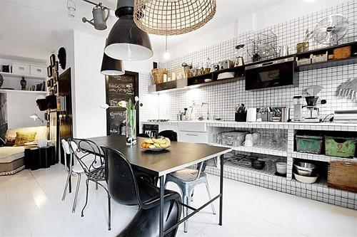 Mẫu tủ bếp đen trắng cá tính, mới lạ