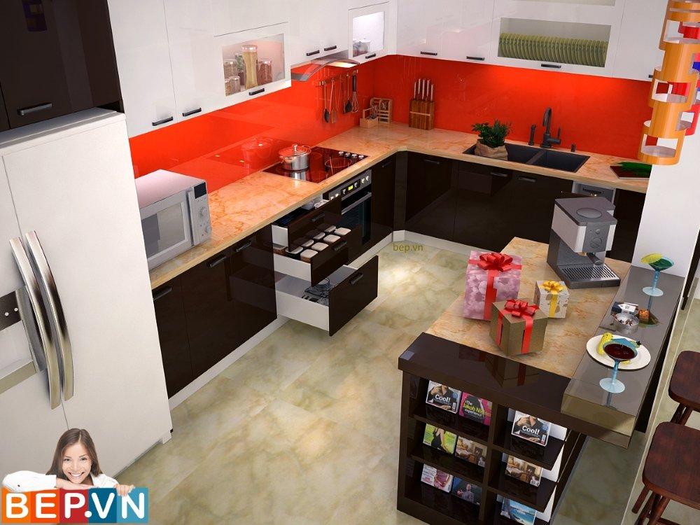 Bàn bảo bếp được thêm vào cùng thiết kế tủ bếp chữ L kịch trần giúp căn bếp hài hòa hơn.