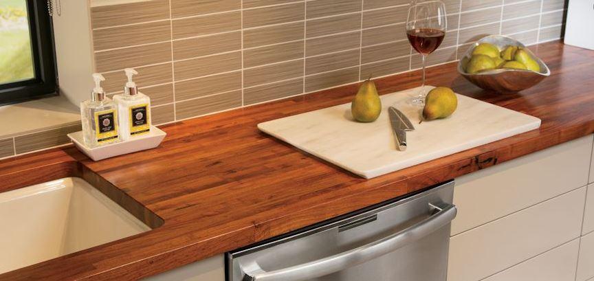 Bàn bếp bằng gỗ cho một số căn bếp mang phong cách đặc biệt.