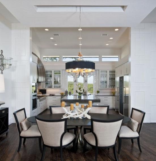 nhà bếp đẹp cá tính bằng hai gam màu trắng - đen chủ đạo
