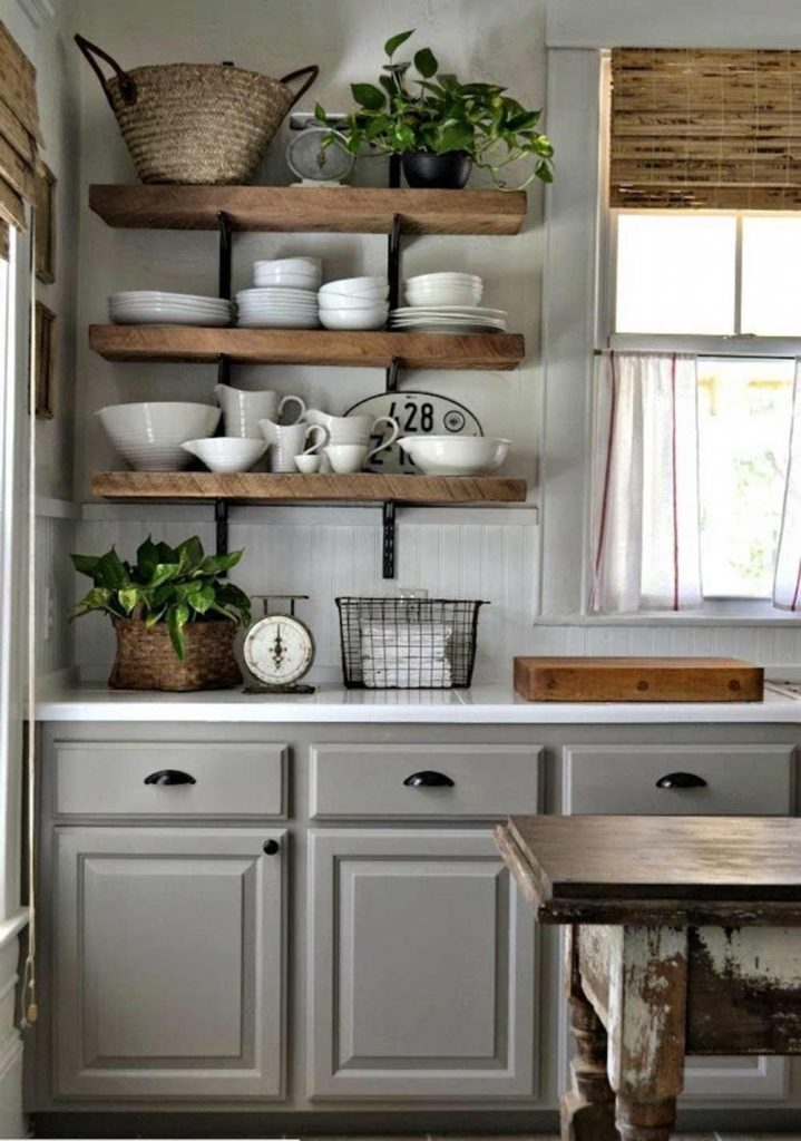 Kệ bếp sử dụng chất liệu gỗ