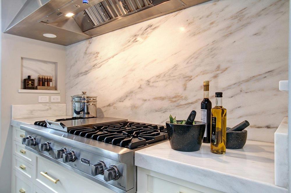 Mẫu gạch lát nhà bếp đẹp thiết kế vân đá