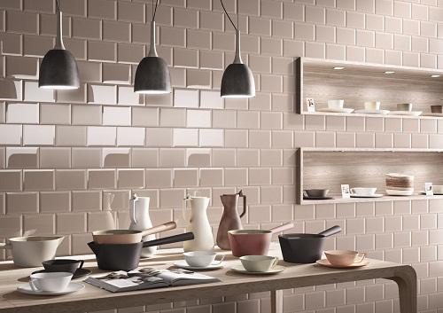 Sử dụng gốm để không gian bếp thêm hiện đại