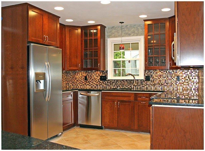 Không gian bếp được tận dụng tối đa với tủ bếp kịch trần