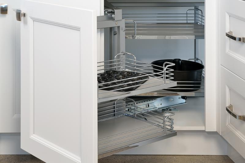 Giá góc tủ bếp có xuất xứ rõ ràng , chất lượng cao.